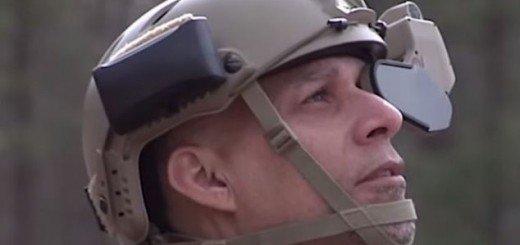Солдат с дисплеем от DARPA